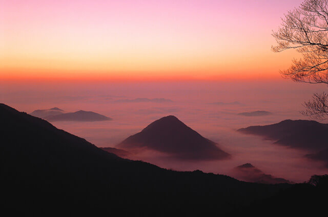 The sea of clouds from Mt. Oe (Fukuchiyama city, Kyoto)